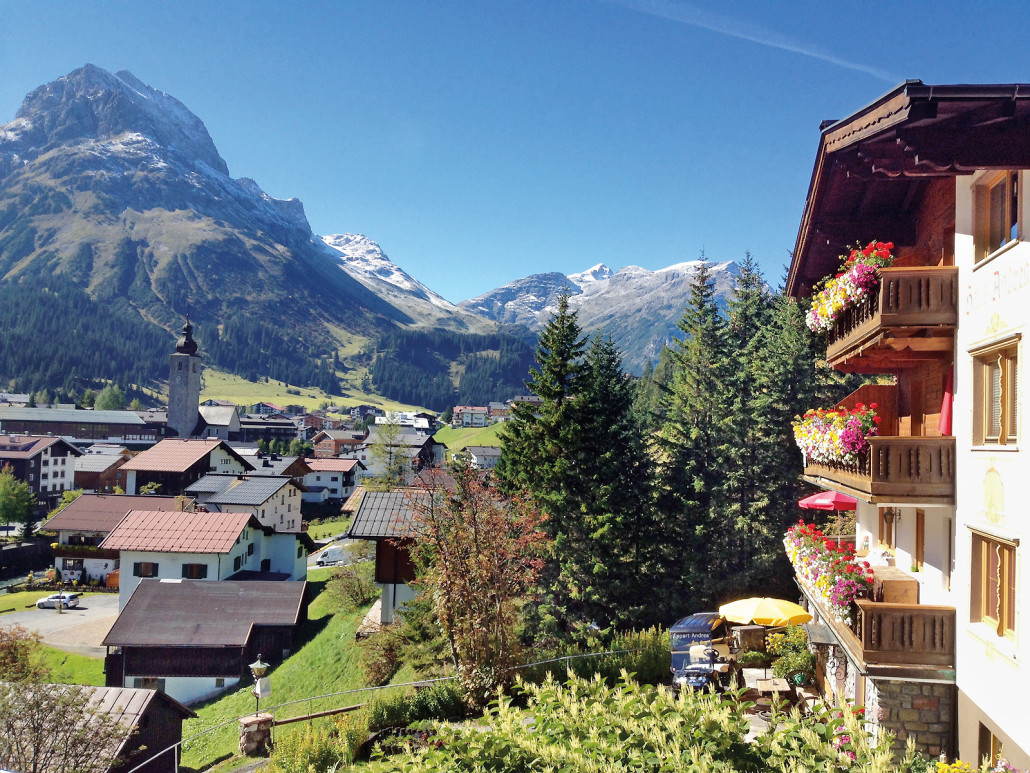 Blick vom Appart Anders Richtung Omeshorn - Lech am Arlberg